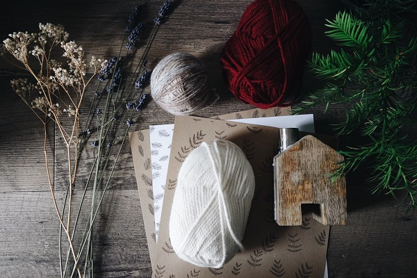 Kraft paper and yarn with a few branches make for an eco-friendlier and recyclable alternative to wrapping.